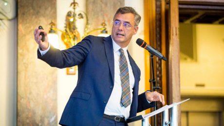 """Vlaams Belang noemt 'Coronacoalitie' Coens """"doorzichtig en vals"""""""