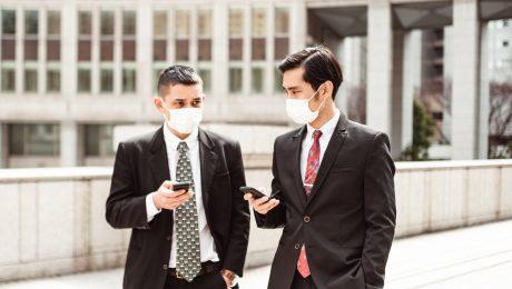 """""""Maak inleveren overdreven voorraden mondmaskers verplicht"""""""