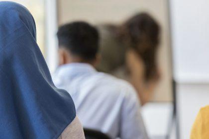 """""""Waarom weigert N-VA hoofddoekenverbod in onderwijs in te voeren?"""""""