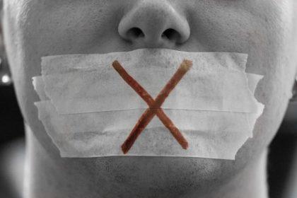 """Resolutie tegen mediacensuur weggestemd: """"Zwarte dag voor Basil Fawlty en Little Britain"""""""