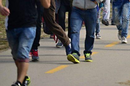 """""""Hallucinant"""": Ook tijdens coronacrisis verhoogt regering asielbudget met 77 miljoen euro"""