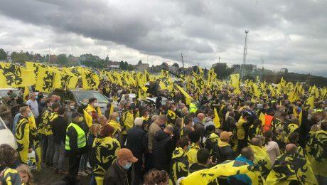 """Vlaams Belang houdt massameeting op de Heizel tegen Vivaldi: """"Vlamingen moeten nu front vormen!"""""""
