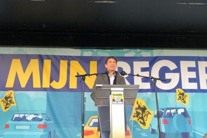 INTEGRAAL: Toespraak Van Grieken op protestrit naar Brussel