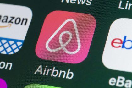 """Rechtbank geeft Airbnb gelijk: """"Kaakslag voor logiessector met zeer slechte timing"""""""