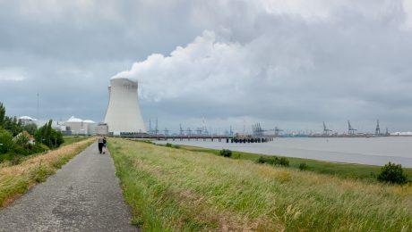 """""""Ook Internationaal Atoomagentschap zegt dat CO2-doelstellingen onhaalbaar zijn zonder kernenergie"""""""