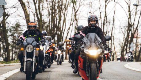 Voor mobiliteitsminister Gilkinet bestaan motorrijders niet