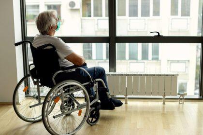 Belgische Vereniging voor Intensieve Geneeskunde mag coronapatiënten met handicap niet discrimineren