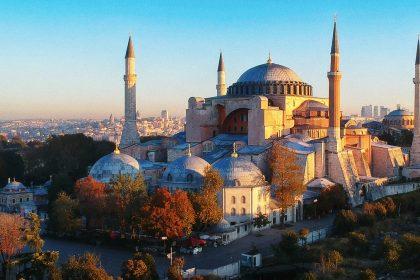 """Hagia Sophia wordt moskee: Vlaams Belang-resolutie die dit veroordeelt weggestemd in Vlaams Parlement"""""""