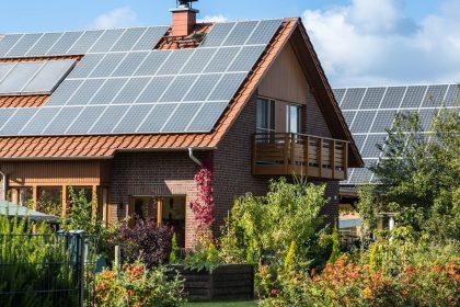 """Valse beloftes zonnepanelen: """"Niemand durft verantwoordelijkheid nemen"""""""