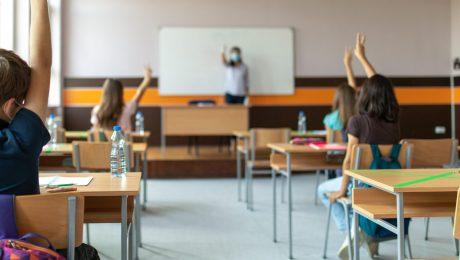 Daling aantal onderwijsvacatures zorgt voor mildering leerkrachtentekort, maar aantal kandidaat-leerkrachten stijgt niet