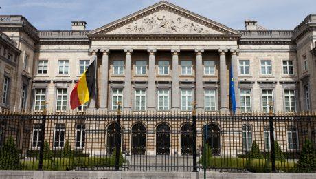 Brusselse regering mag schoolcontracten toekennen, Vlaams Belang ontstemd