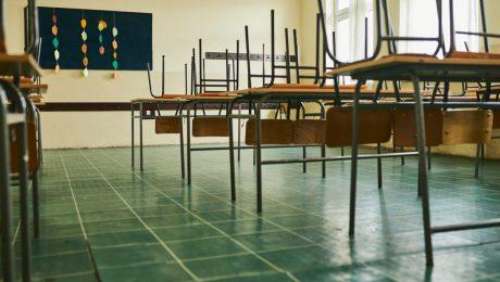 """""""Voornemen van Weyts om scholen niet te sluiten blijkt loze belofte"""""""