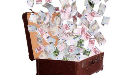 """Onderzoek van 10 miljoen euro van Vlaamse regering naar besparingen: """"Mag niet leiden tot verkapte belastingverhoging!"""""""