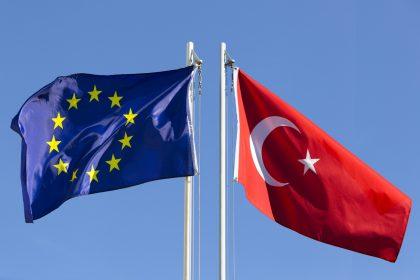"""Turkije moordt op Europees grondgebied"""