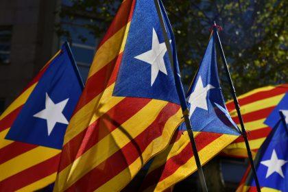 """Na overwinning Catalaanse onafhankelijkheidspartijen: """"Onaanvaardbaar dat EU blijft wegkijken!"""""""