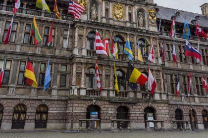 """Sihame El Kaoukibi: Vlaams Belang wil stop alle Antwerpse subsidies aan """"diversiteits- en integratie-industrie"""""""