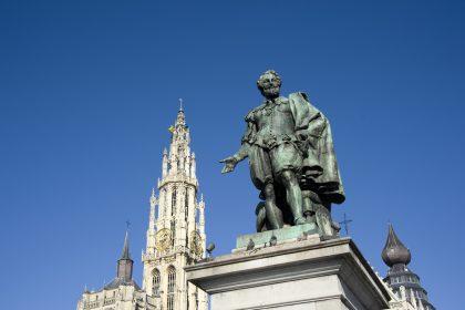 """Slechts 29 Vlaamse standbeelden beschermd: """"Ons erfgoed verdient een betere bescherming"""""""
