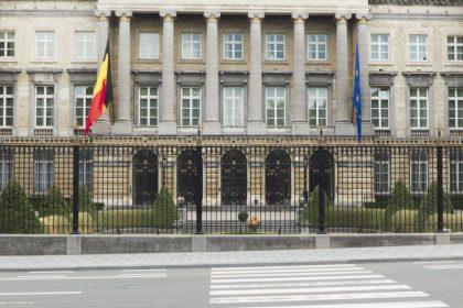 """""""Commissie Institutionele hervormingen is een zoveelste praatbarak"""""""