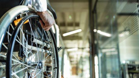 """Geen enkele persoon met handicap op Vlaamse kabinetten: """"Vlaamse regering zou voorbeeld moeten geven"""""""