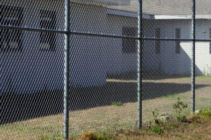 """Toename ontsnappingen jeugddelinquenten: """"Duidelijk nood aan betere veiligheidsprocedures"""""""