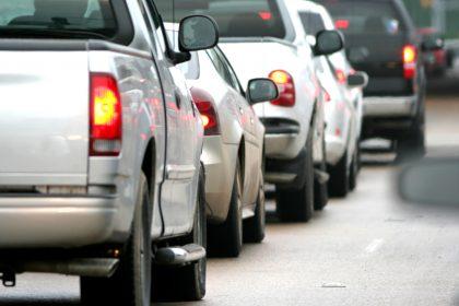 "Wagens met VL-zelfklever op nummerplaat afgekeurd op keuring: ""Pestmaatregel"""