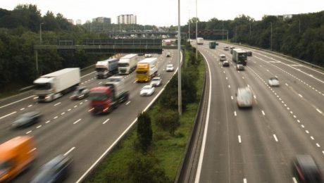 Driekwart overtredingen kilometerheffing voor vrachtwagens begaan door buitenlandse transportfirma's