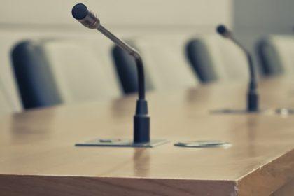 Commissie Buitenlandse Zaken: paars-groen belet oppositiewerk