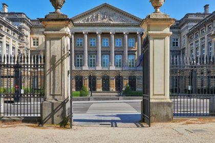 """""""Democratie wordt opzijgeschoven om Vlaams Belang te kunnen uitsluiten"""""""