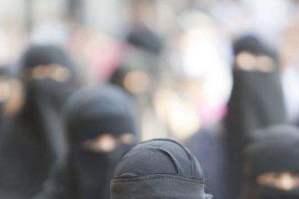 """Repatriëring van IS-vrouwen: """"Dwaze en gevaarlijke beslissing"""""""