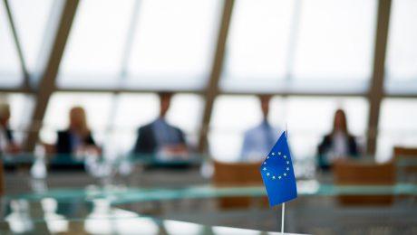 """Het Europees Coronafonds: """"Een vestzak-gescheurde broekzak-operatie"""""""
