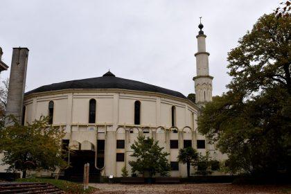 """Nieuw eredienstdecreet Somers: """"Geen oplossing buitenlandse moskeefinanciering, maar stigmatisering andere geloofsgemeenschappen"""""""