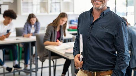"""Beperkte stijging van zij-instromers: """"Geen duurzame oplossing voor het lerarentekort"""""""