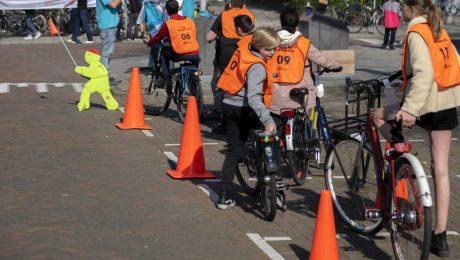 """Volledig (en) veilig terug naar school: """"Nu extra inzetten op verkeerseducatie en sensibiliseringscampagnes"""""""