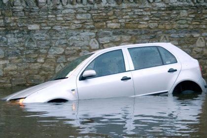"""Afwikkeling overstromingen: """"Vlaanderen mag hier niet voor opdraaien"""""""