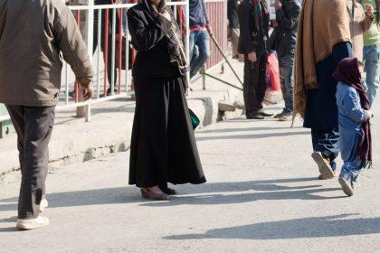 """""""Spoor Taliban en sympathisanten actief op en verbied de jihadbeweging Khatme Nubuwwat"""""""