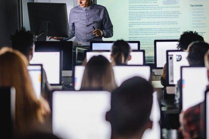 """""""Vlaams geld voor ICT-beleid op school moet duurzame investering zijn, geen eenmalige injectie"""""""