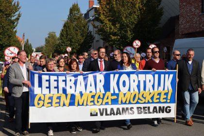 Vlaams Belang betoogt tegen mega-moskee te Kortrijk
