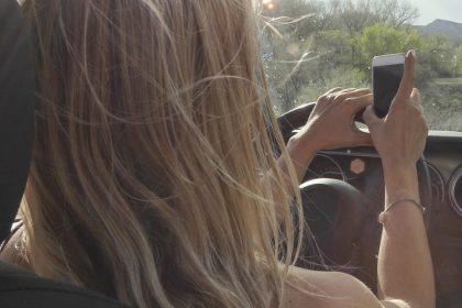 Ook politici mogen niet online vergaderen achter het stuur