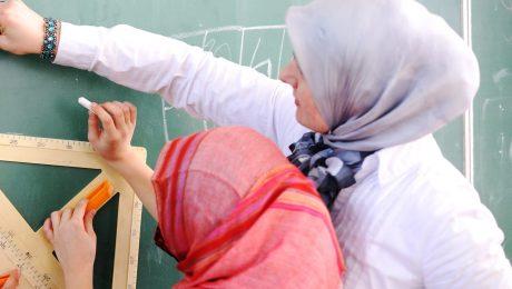 Hoofddoekverbod opheffen geen oplossing voor lerarentekort
