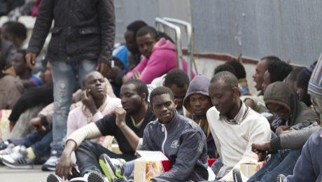 Stadsbesturen willen immigranten geld geven om inburgeringscursus te betalen